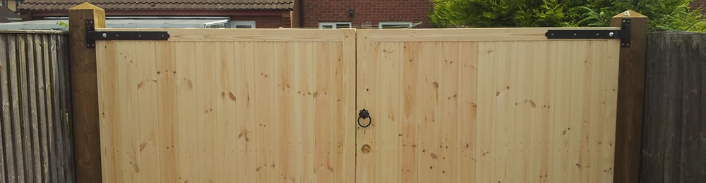 pr fencing are experienced fence installers, concrete posts and gravel board suppliers in derby